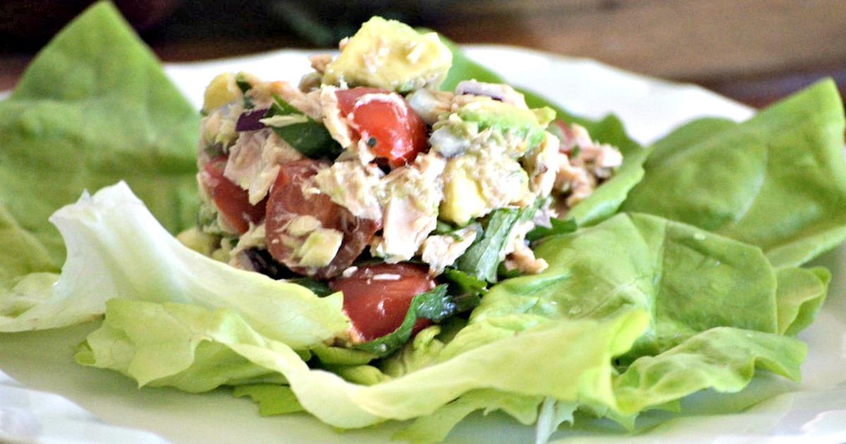 keto tuna ceviche recipe – closeup on a lettuce leaf