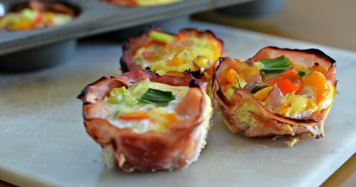 baked ham & cheese cups – arranged on a tray