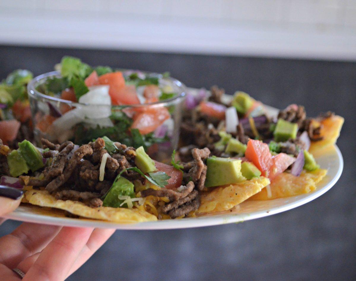 keto microwave nachos on a plate