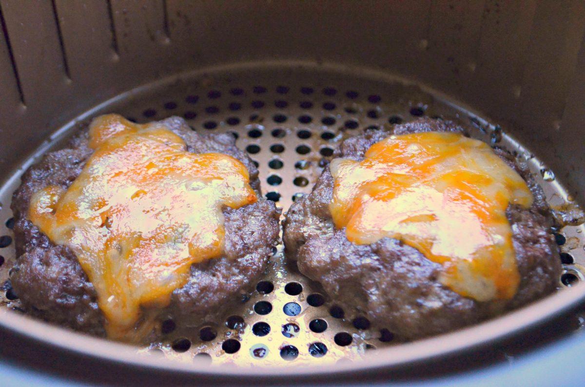 Cheeseburgers in the air fryer