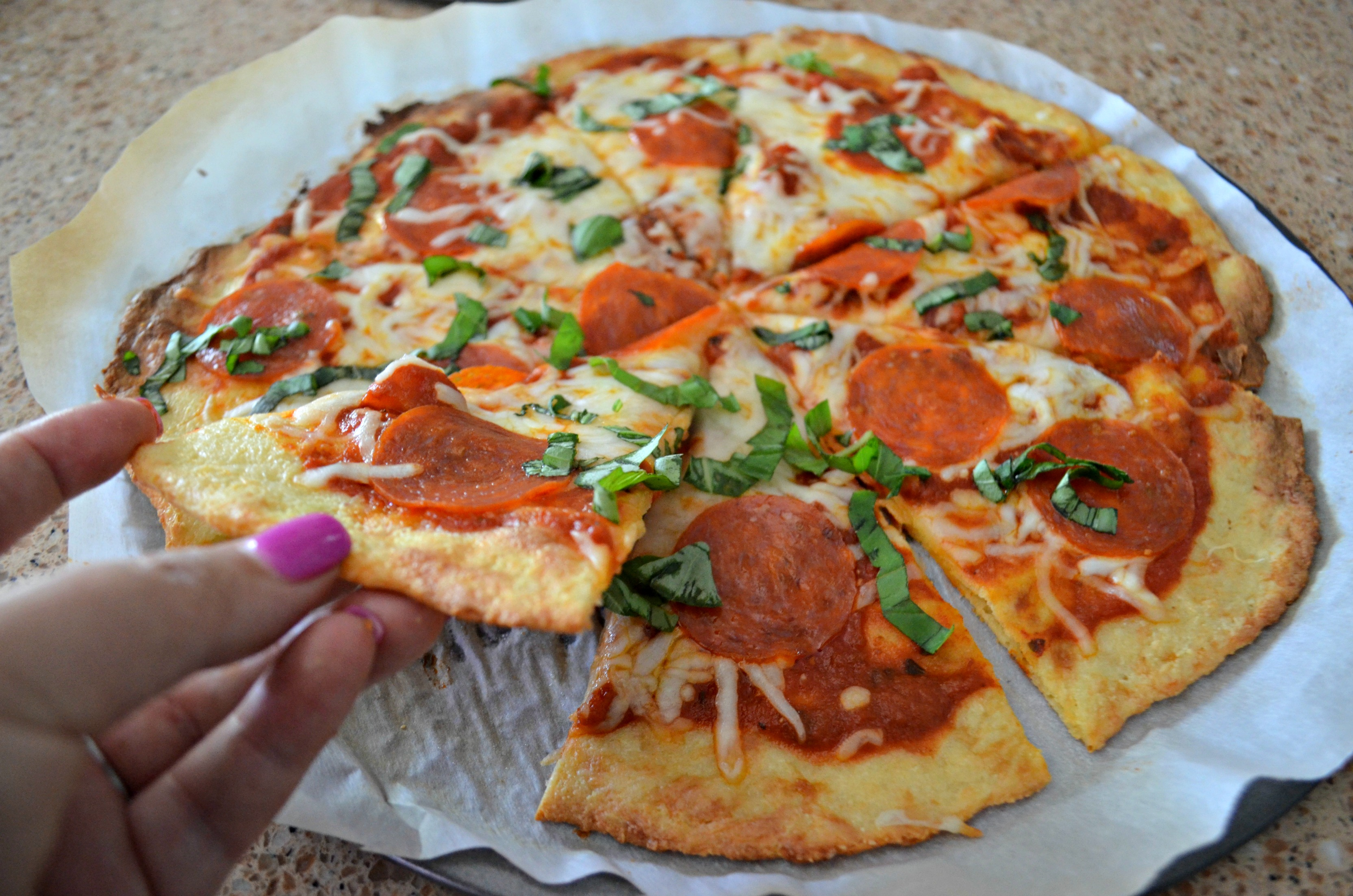 We compare the best keto pizza crust recipe | Here: Fathead