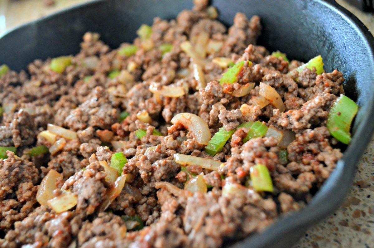 shepherd's Pie keto recipe – cooking meat in the pan