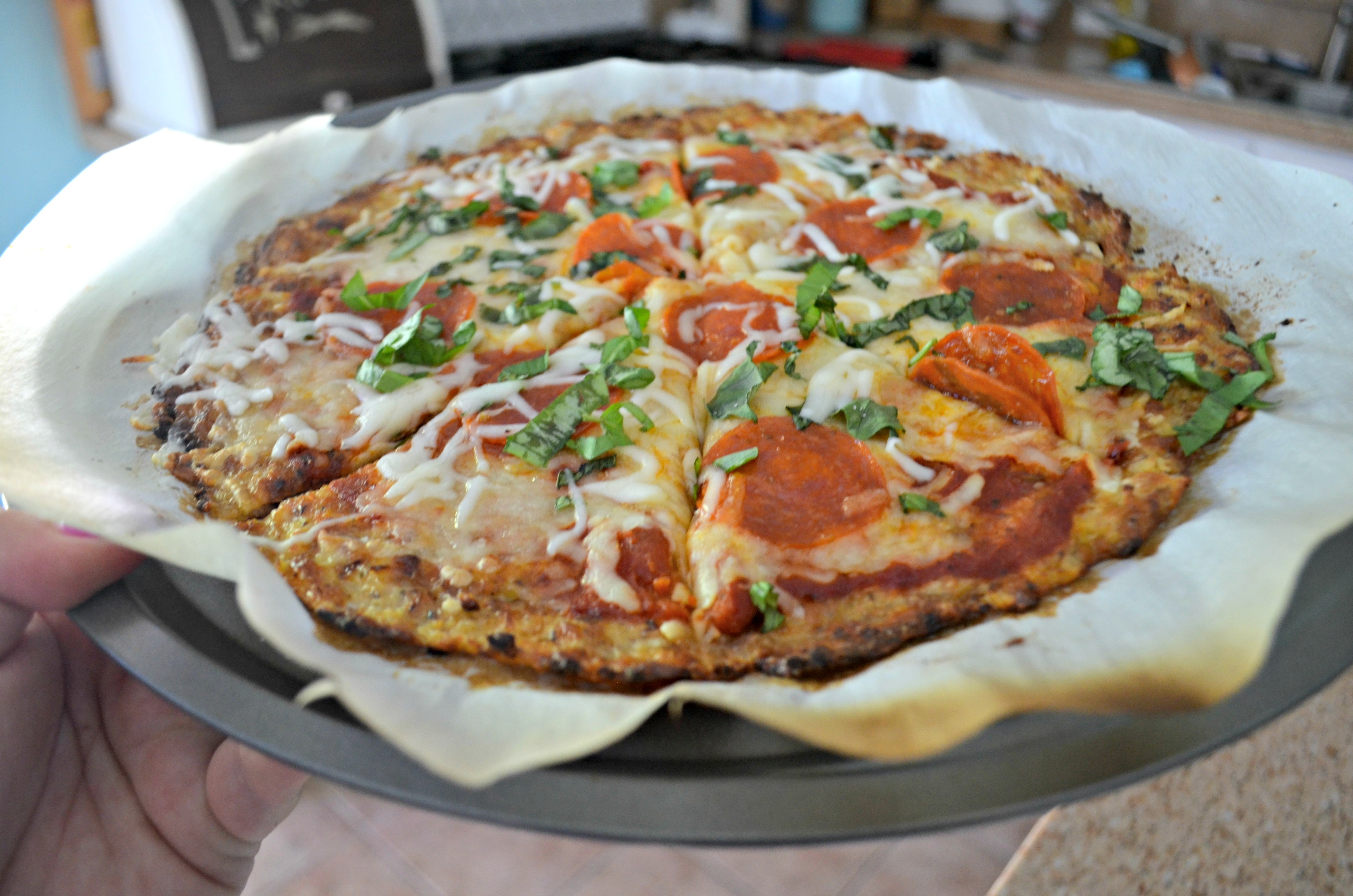 We compare the best keto pizza crust recipe | Here: Cauliflower