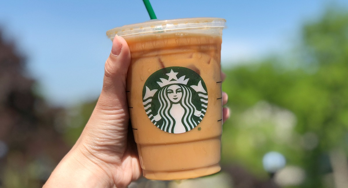 best keto order guide starbucks – hand holding an iced coffee