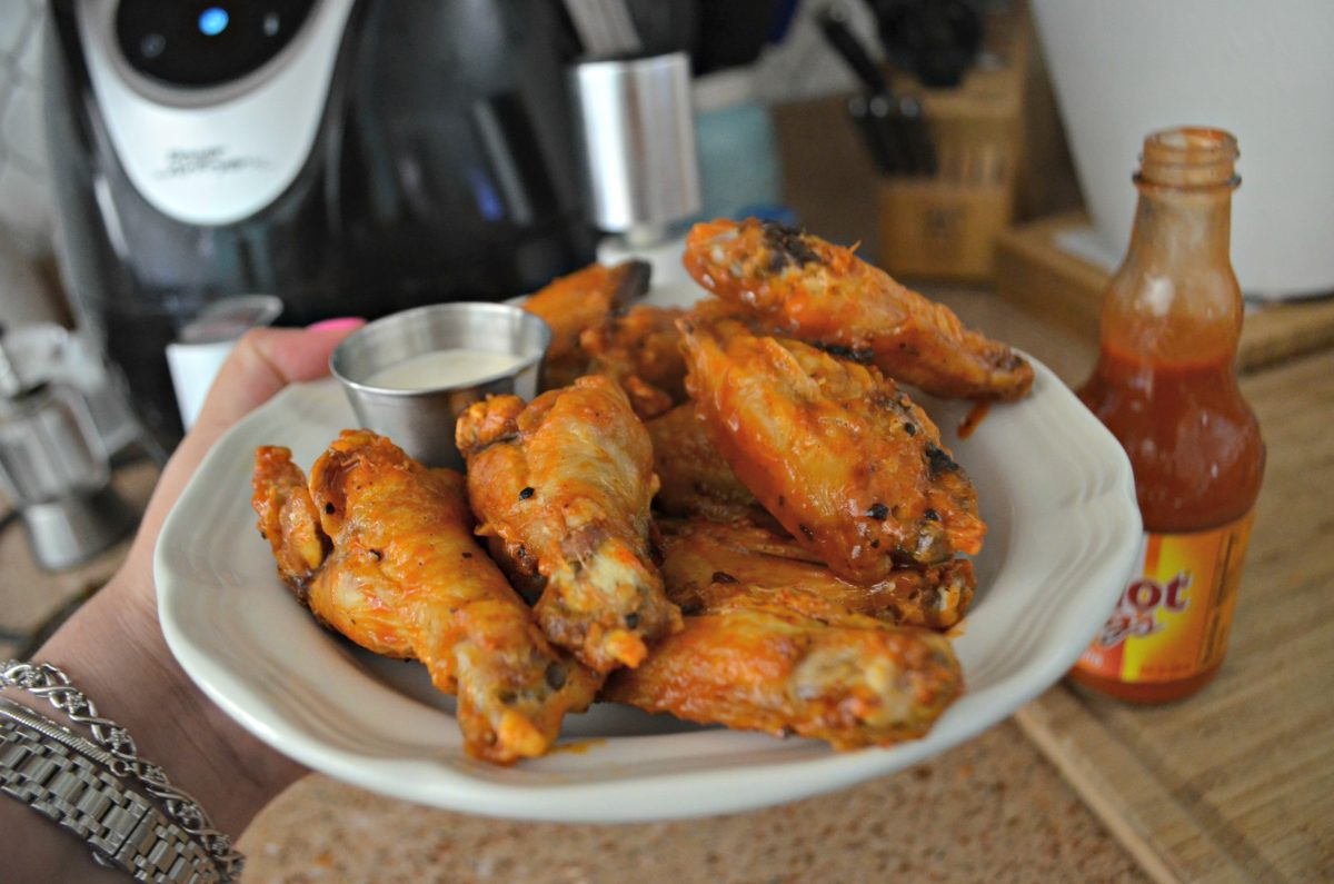 air fryer chicken wings – closeup of wings on a plate with ranch dressing