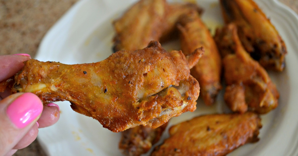 keto chicken wings closeup