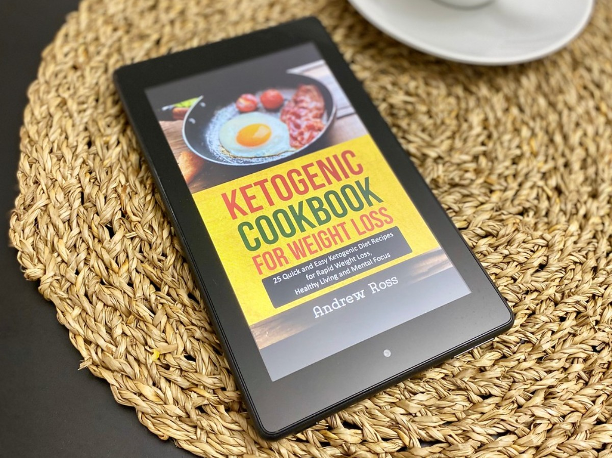 kindle showing cover of Ketogenic Cookbook