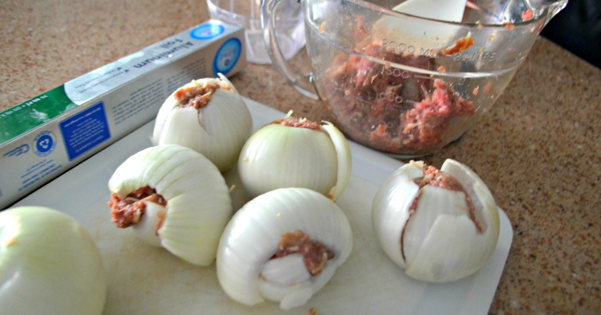 These keto onion cheeseburger bombs are perfect for grilling and camping – onion and hamburger