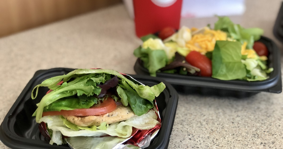 wendys keto dining guide – side salad and a chicken sandwich