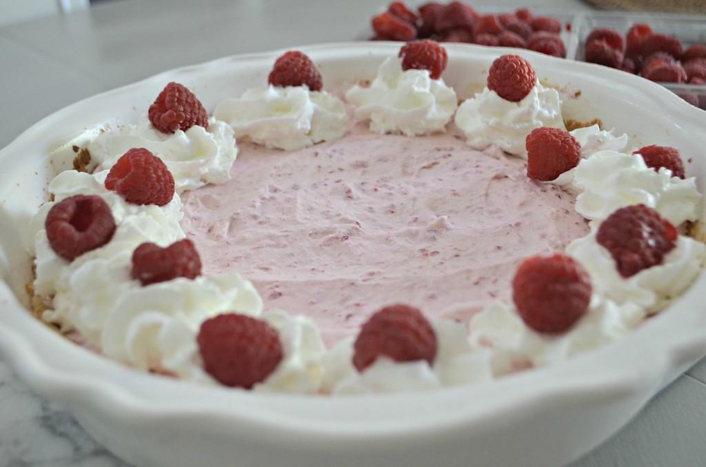 Keto raspberry cream pie