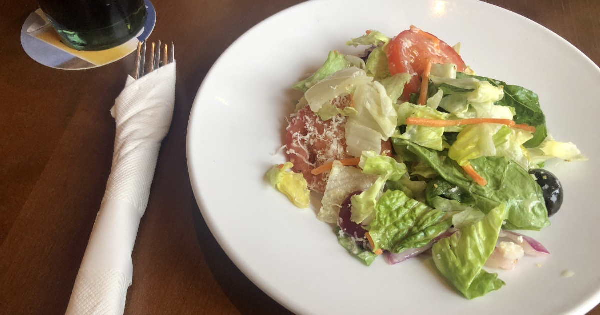 olive garden keto dining guide - picture of salad