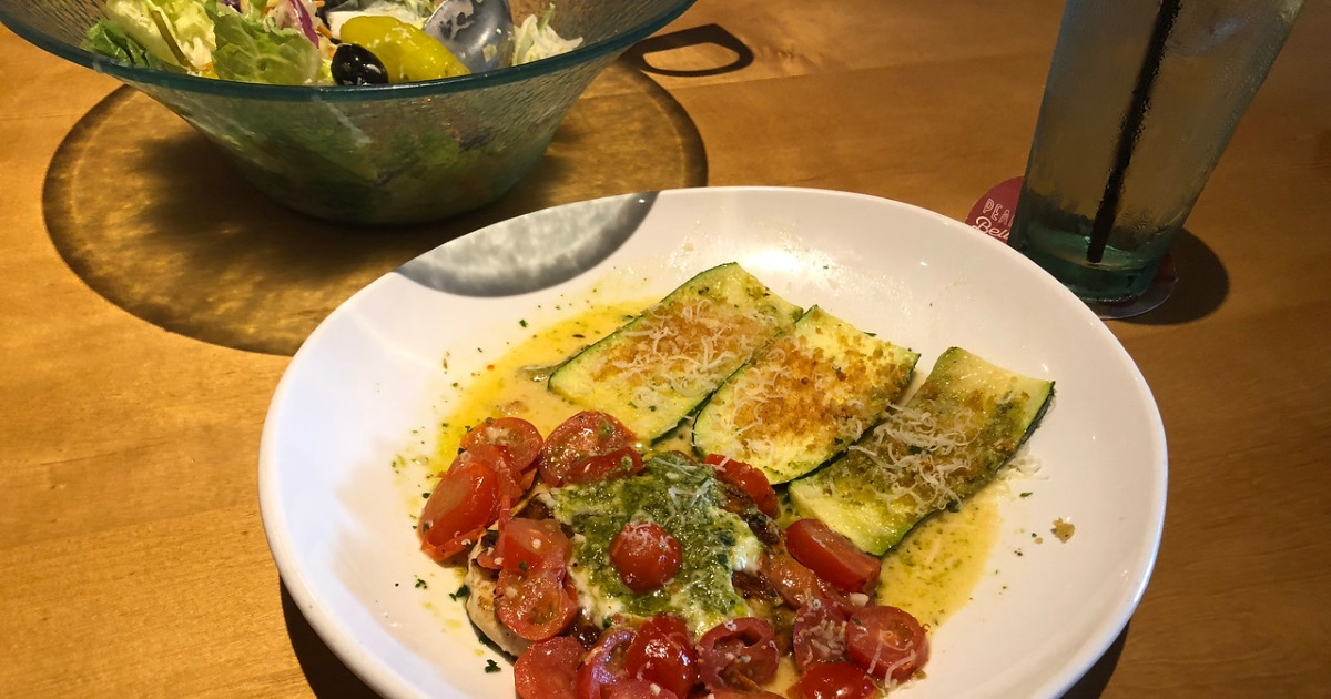 olive garden keto dining guide - picture of Chicken Margherita with zucchini
