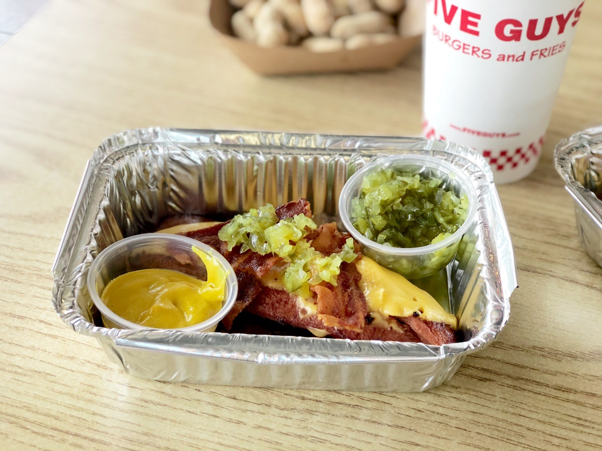 five guys keto dining guide – peanuts, a bunless hotdog, and a Diet Coke