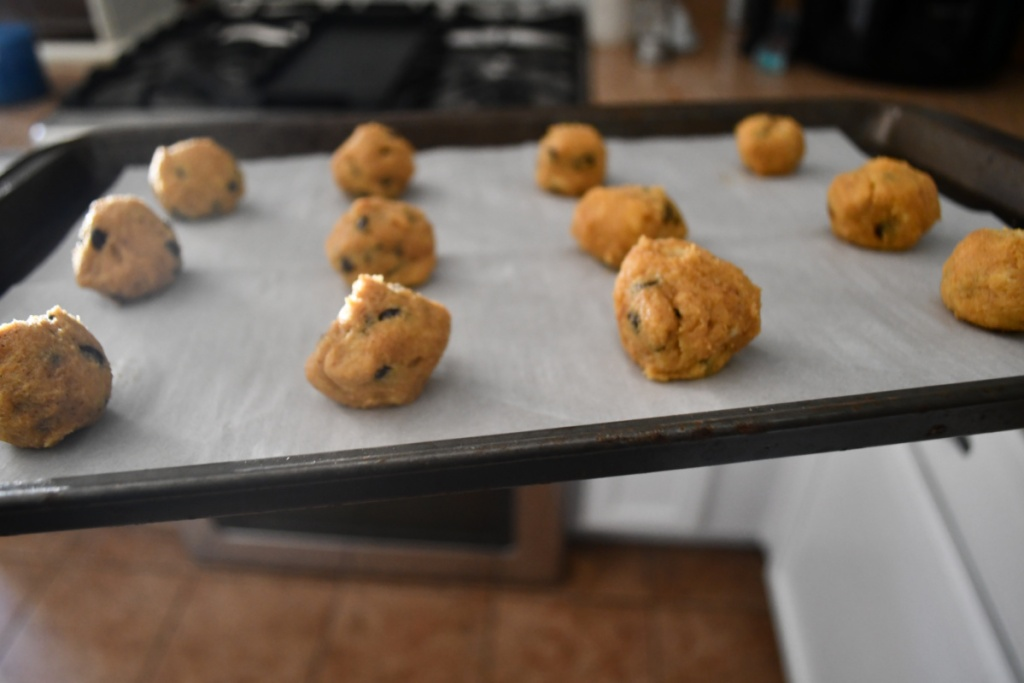 cookies rolled into balls