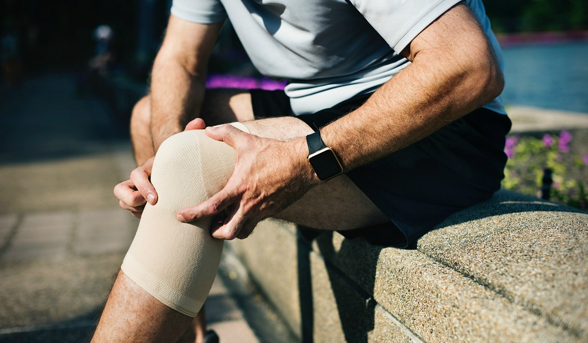 muscle ache in knee with compression sleeve