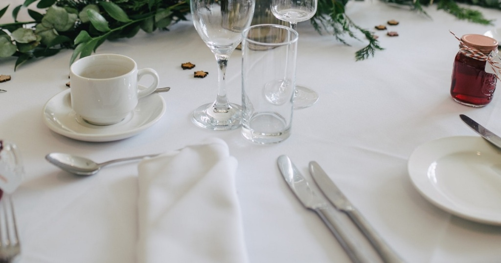 table setting for keto dining