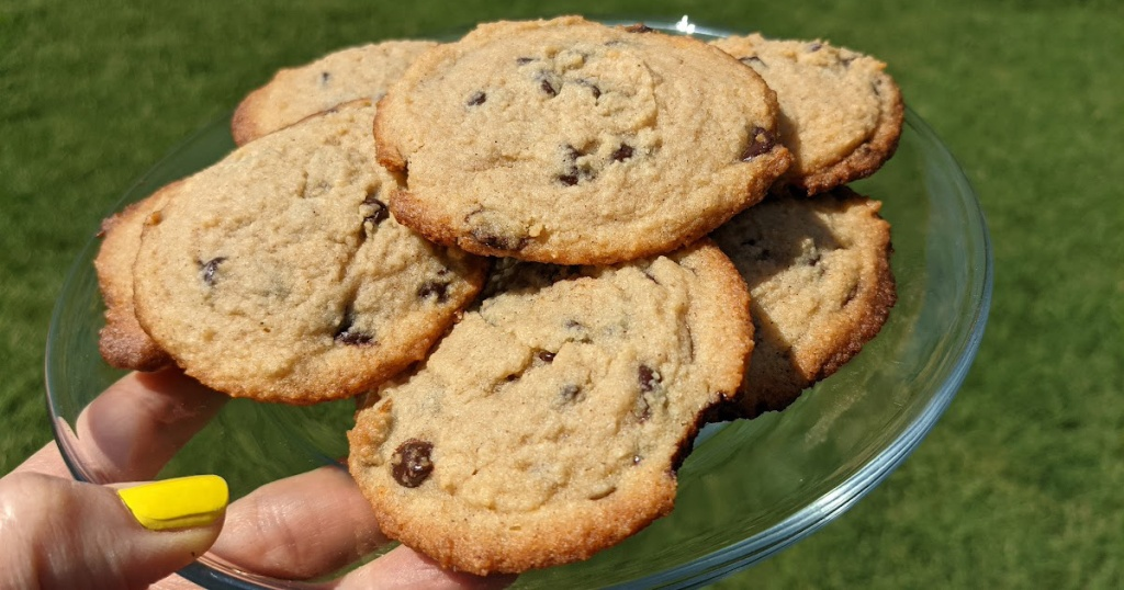 keto chocolate chip cooks on a plate