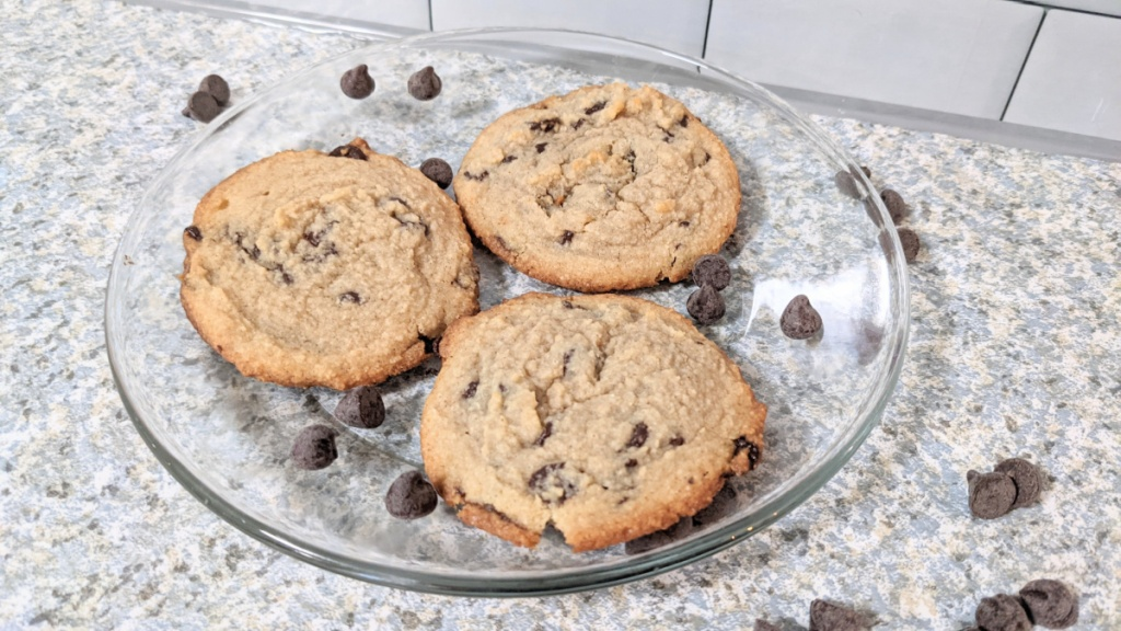 keto chocolate chips cookies on a plate