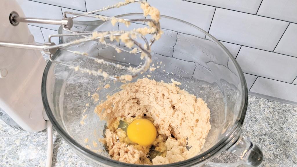 making keto chocolate chip cookies