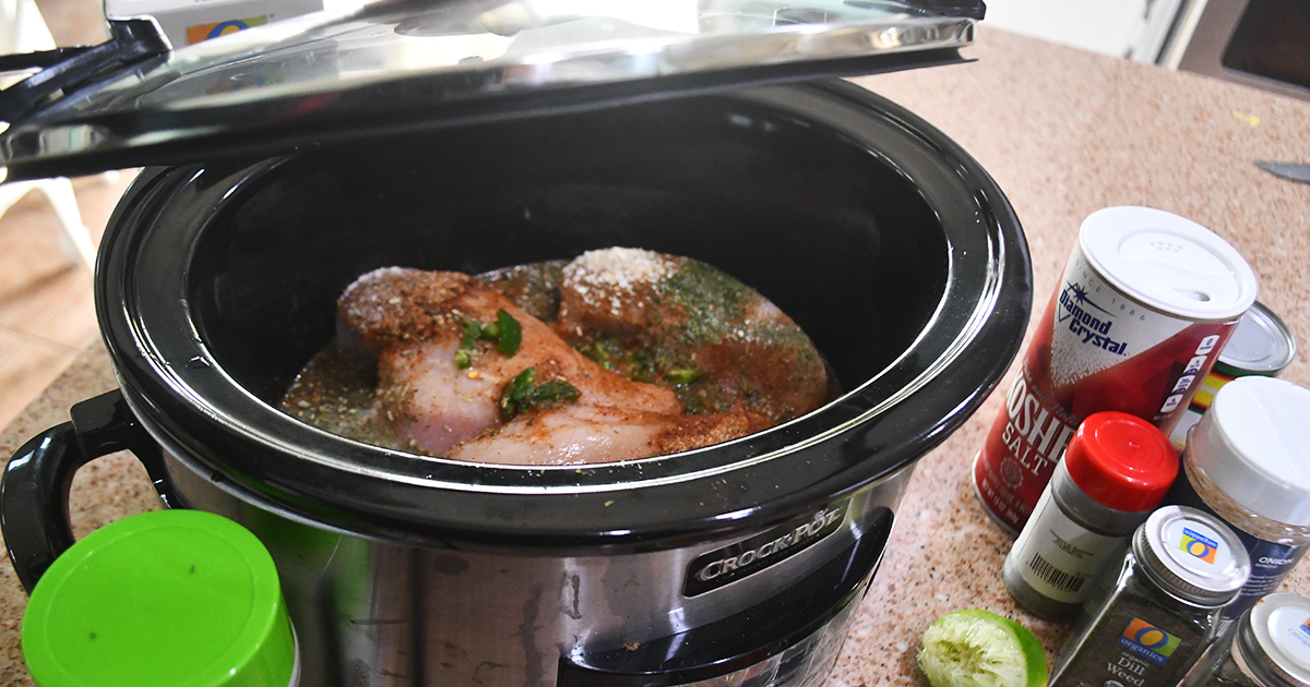 slow cooker with lid open