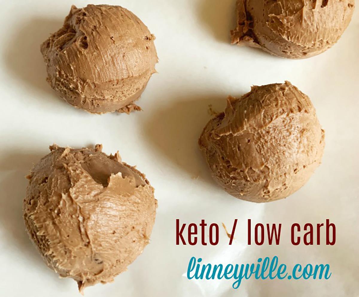 popular keto desserts — chocolate cheesecake fat bomb