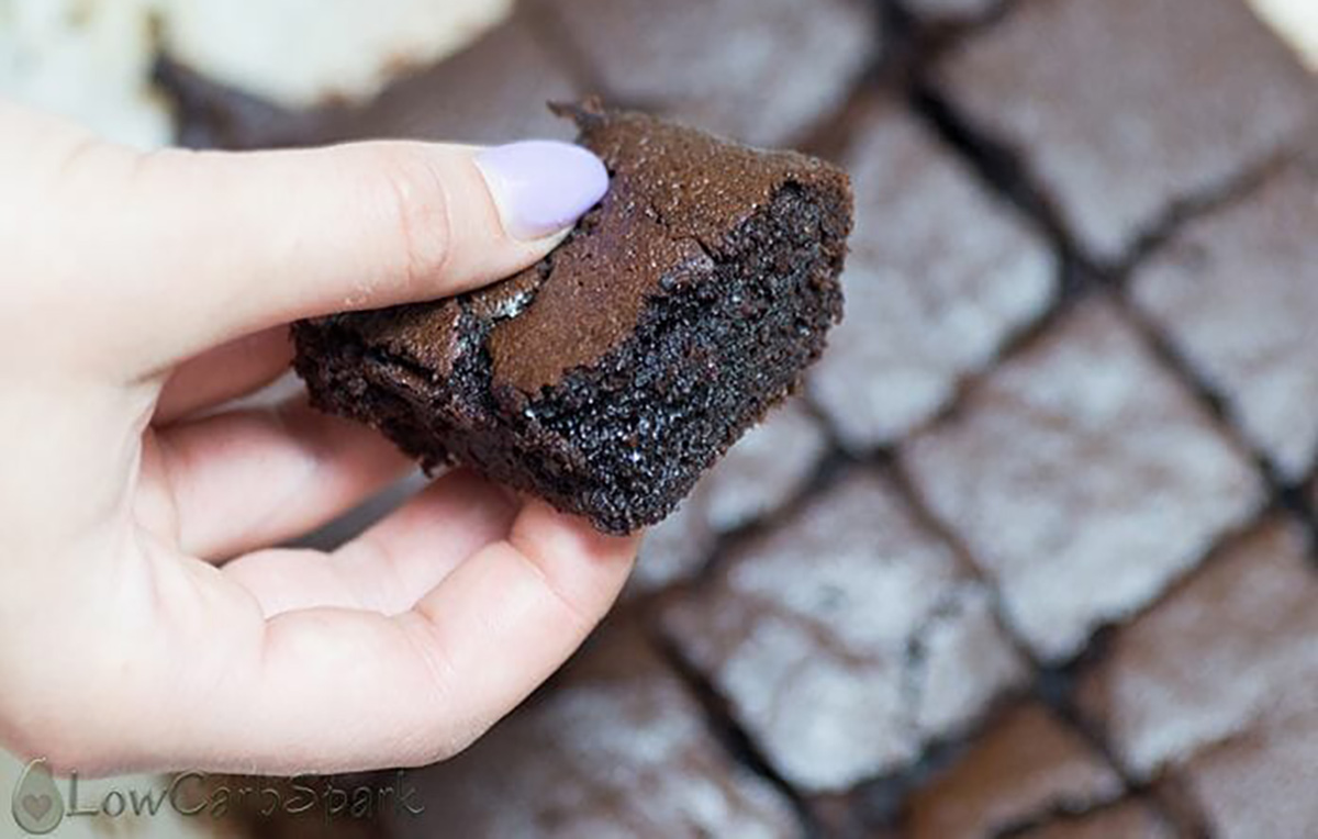 popular keto desserts — fudgey keto brownies