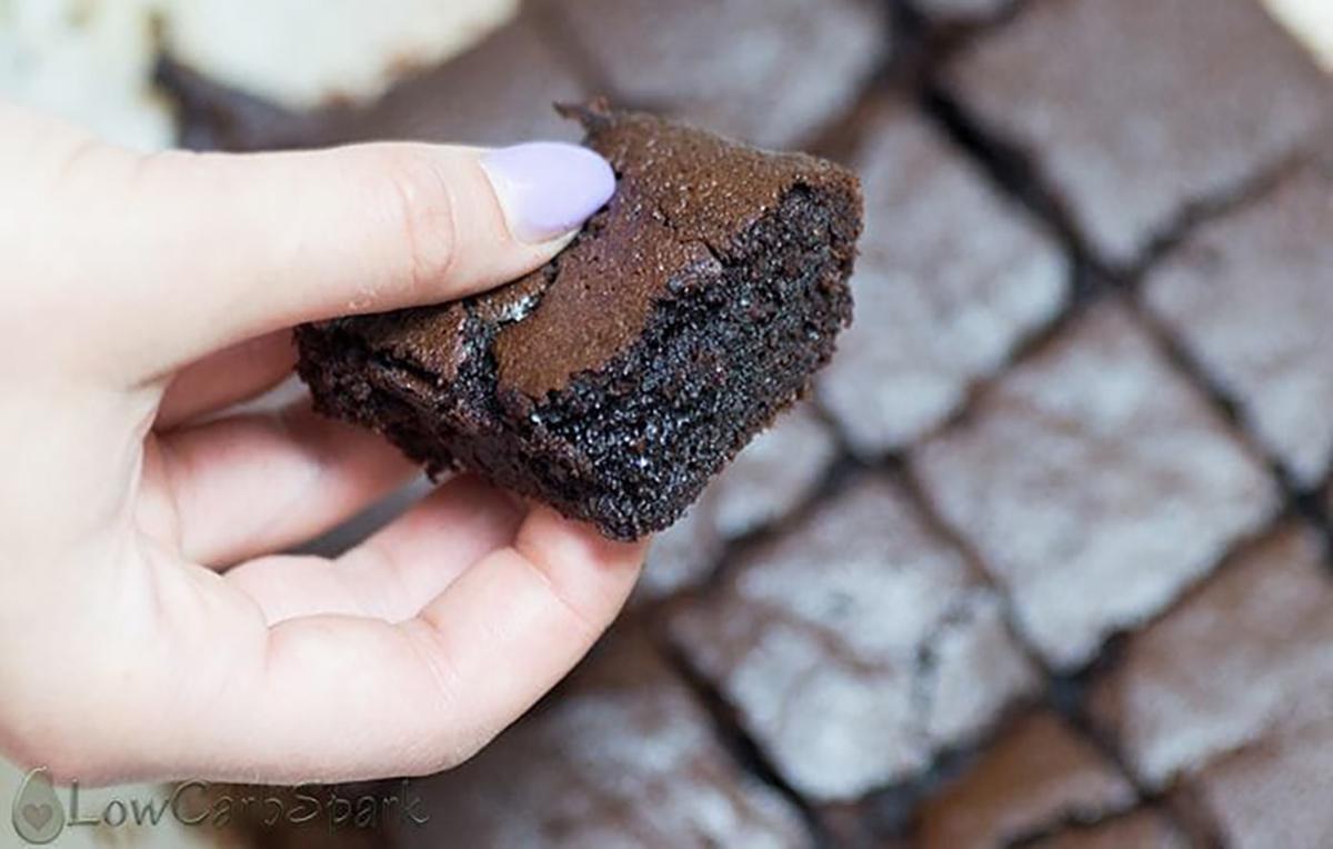 popular keto desserts — fudgey keto brownies