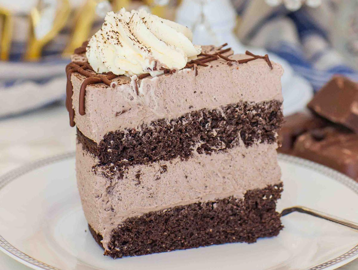 popular keto desserts — chocolate mousse cake