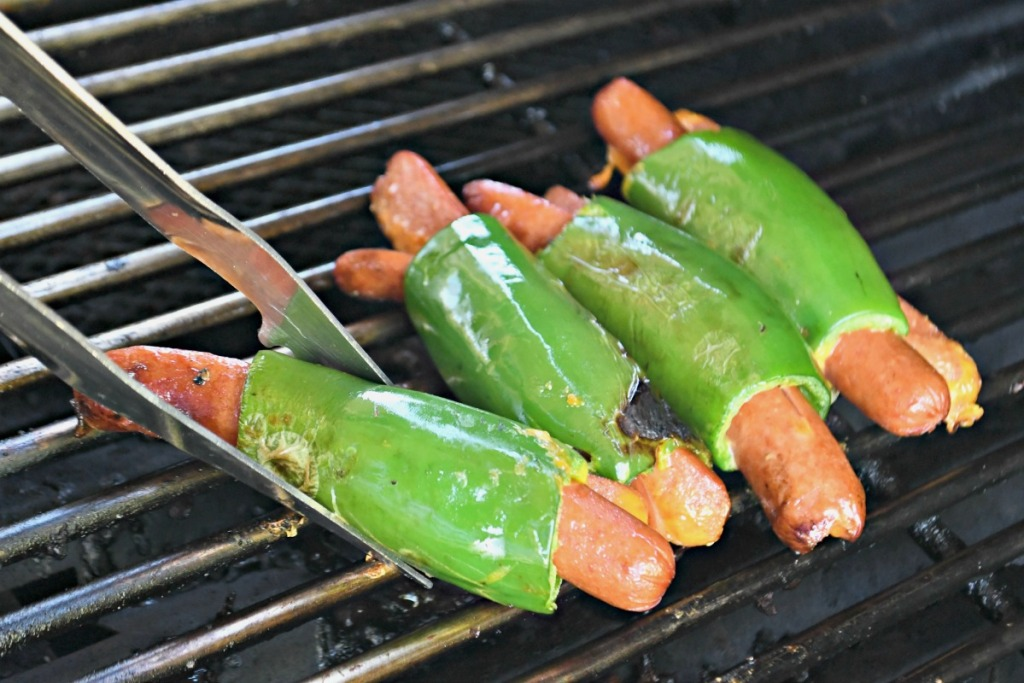 grilling hot dogs with jalapenos