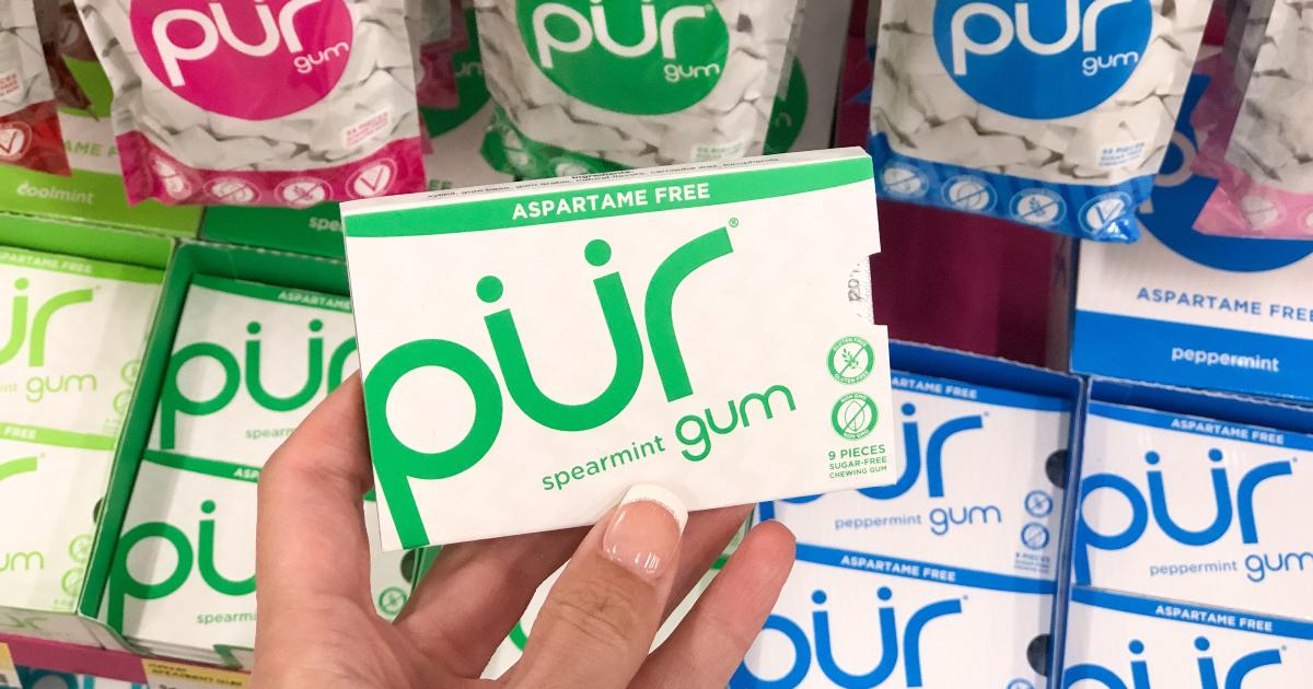 holding Pur keto friendly gum