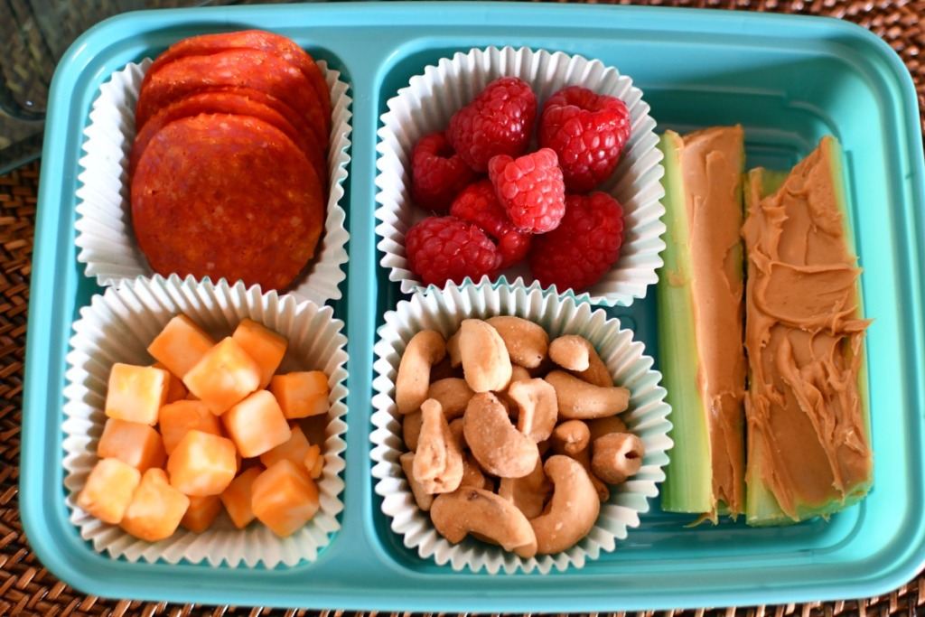 pepperoni and cheese bento box achool lunch