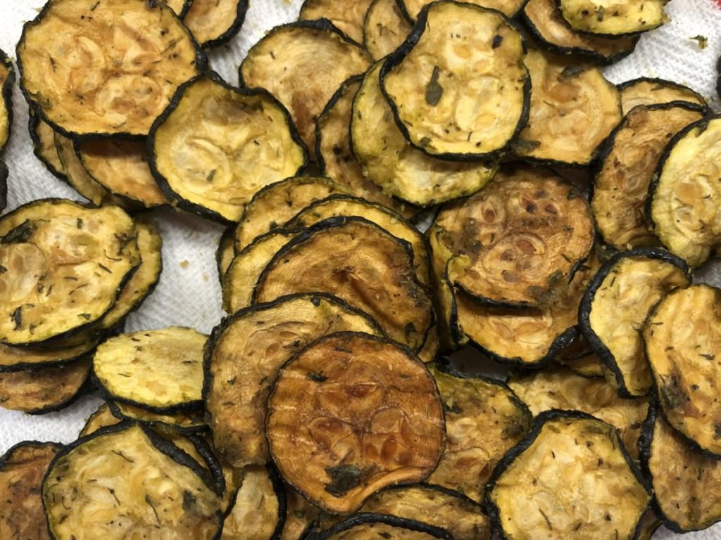keto zucchini chips close up