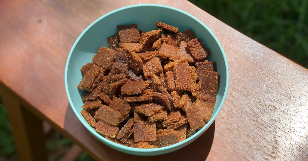 keto cinnamon cereal in bowl