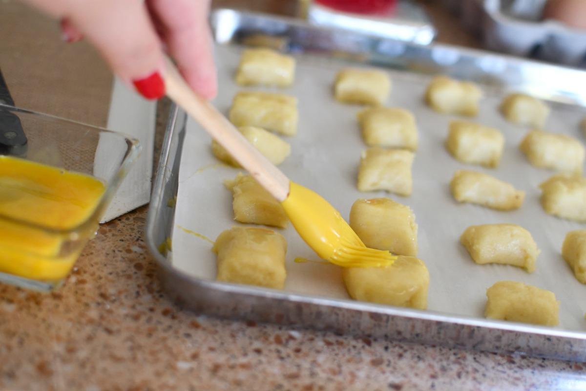 egg wash on small dough bites