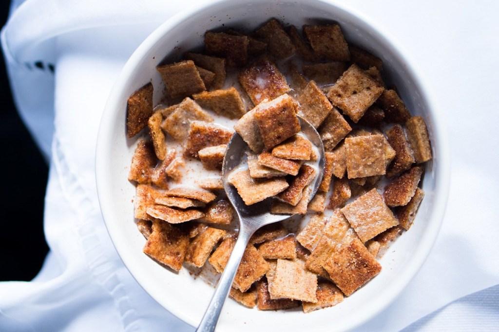 cinnamon toast crunch keto cereal from gnom gnom