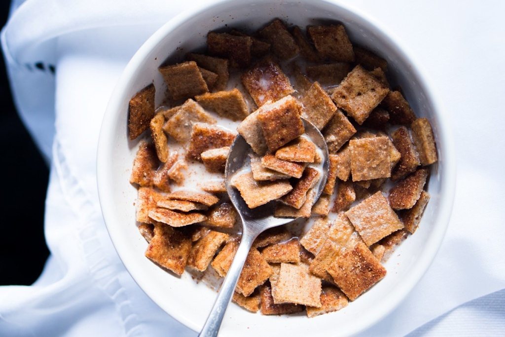 cinnamon toast crunch keto cereal from gnom gnom