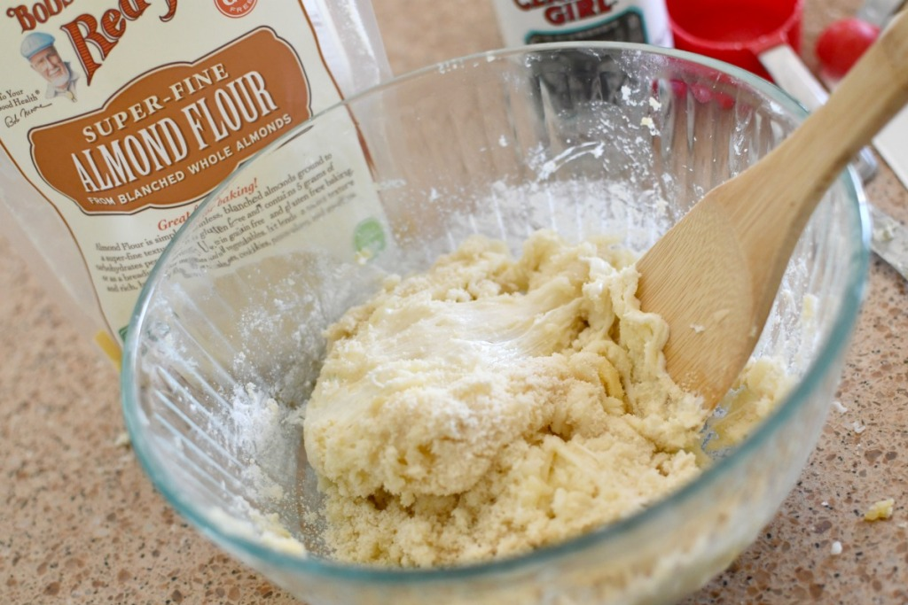 mixing up keto fat head dough