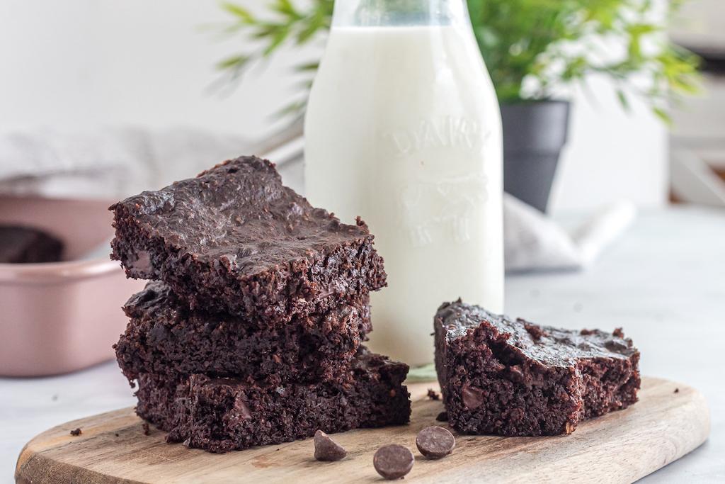keto brownies with milk