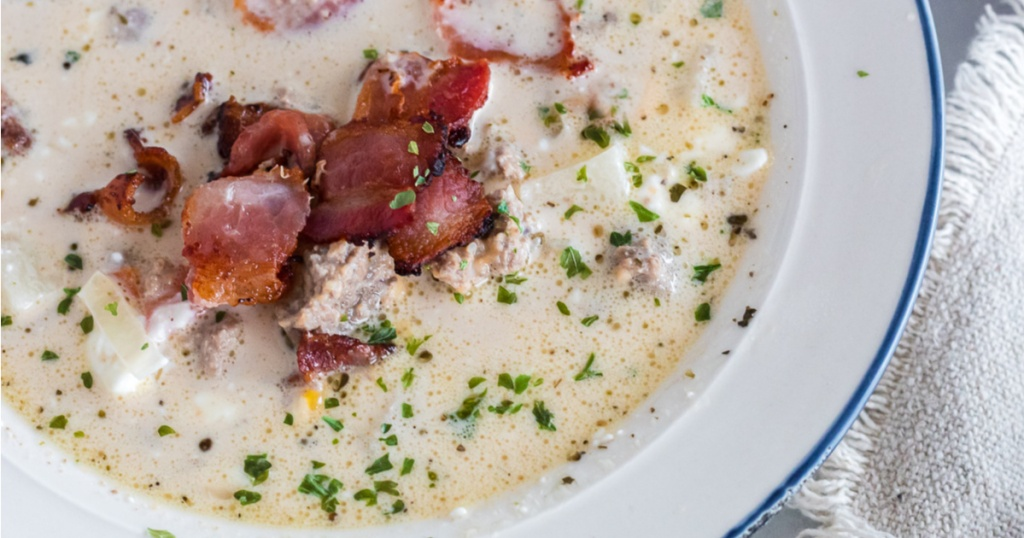 cheeseburger soup with bacon close up in a bowl