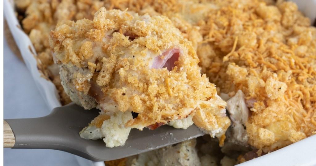 Spatula of chicken cordon bleu