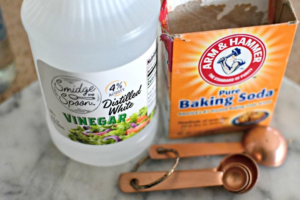 vinegar and baking soda egg substitute