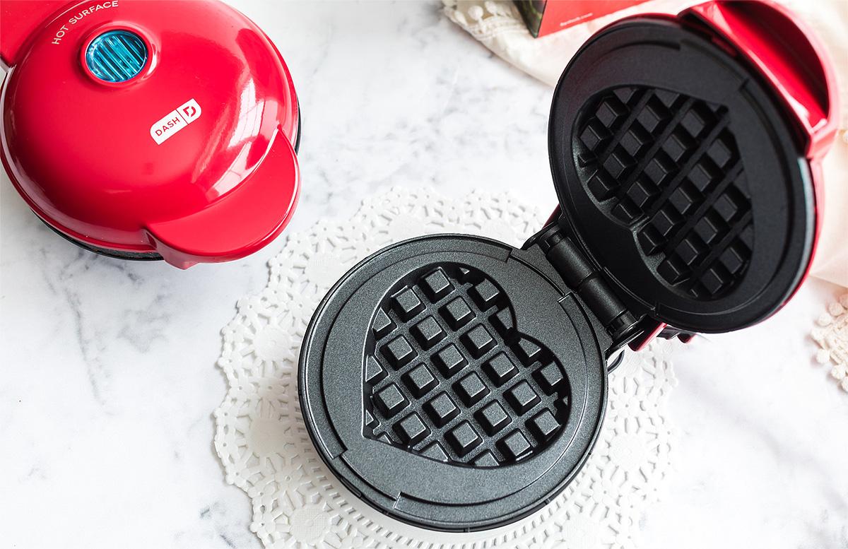 dash mini waffle maker heart shaped