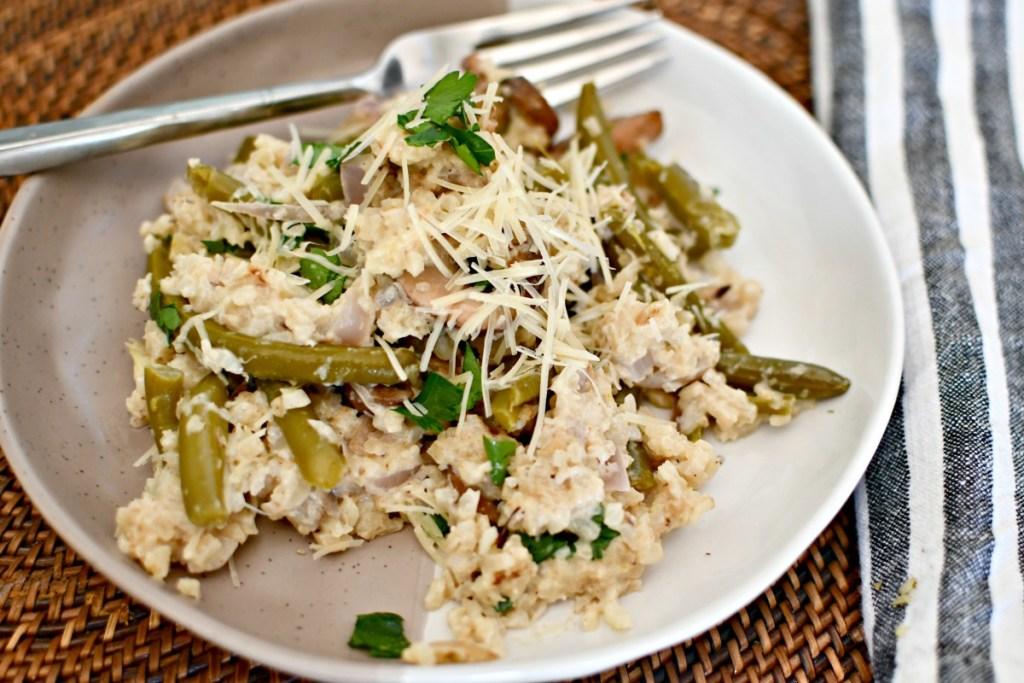 plate of alfredo cauliflower rice