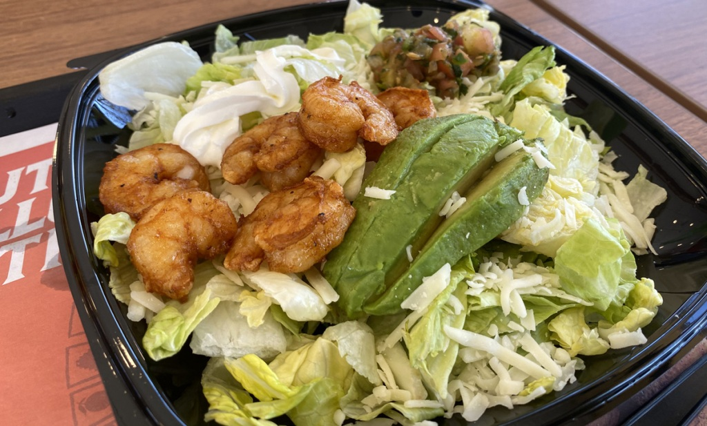 el pollo loco shrimp salad in a bowl