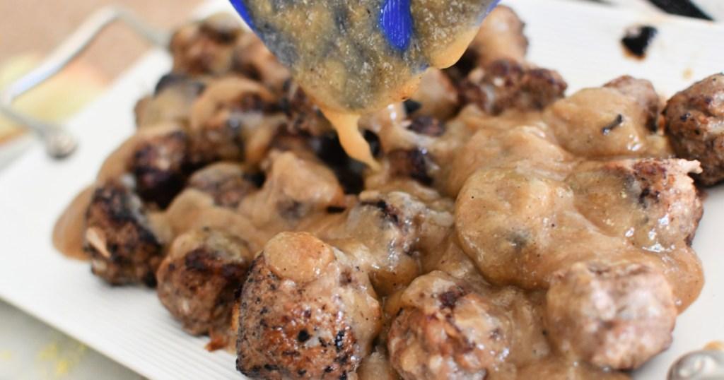 adding sauce to keto swedish meatballs