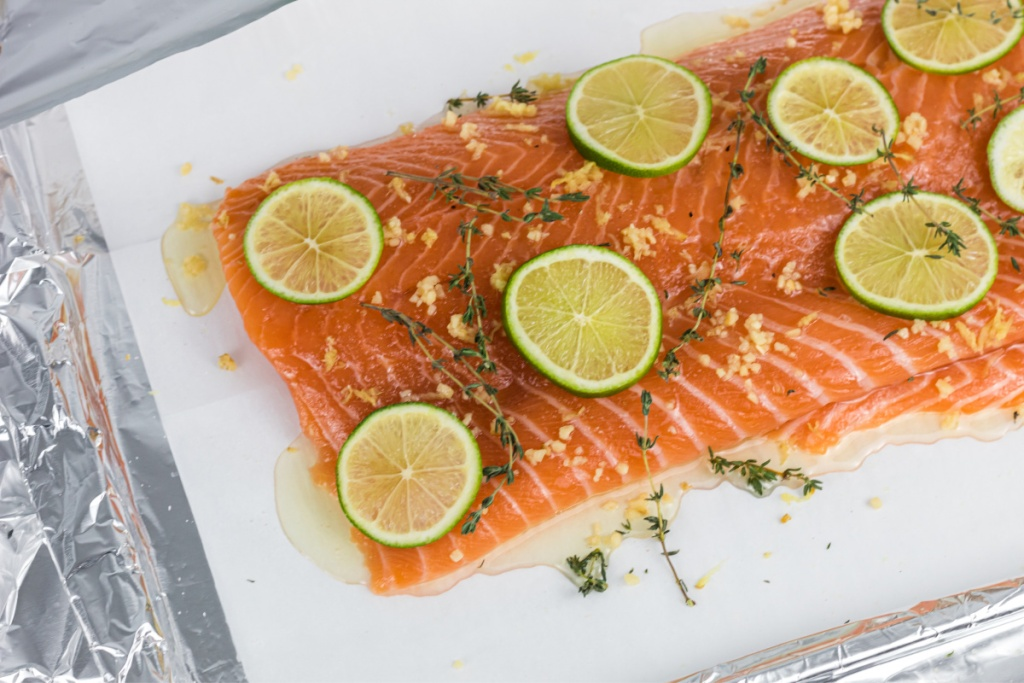 salmon seasoned with thyme and lime