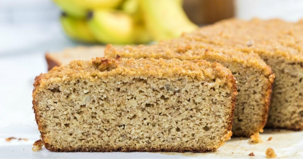 keto banan bread sliced up