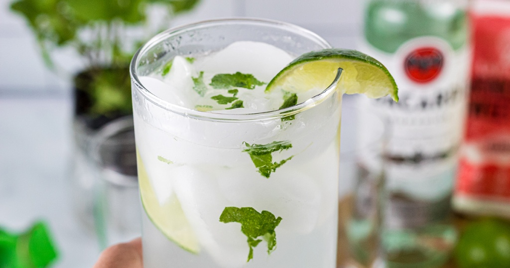 keto mojito low carb cocktail