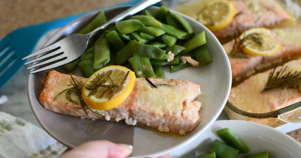 plate of salmon and green beans