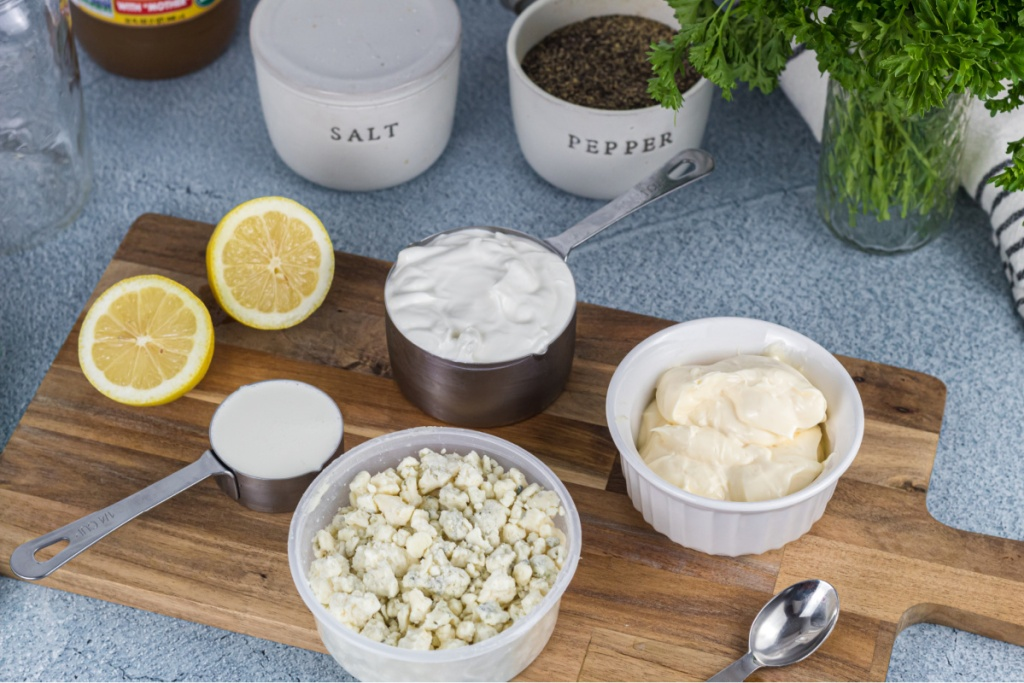 ingredients for bleu cheese dressing